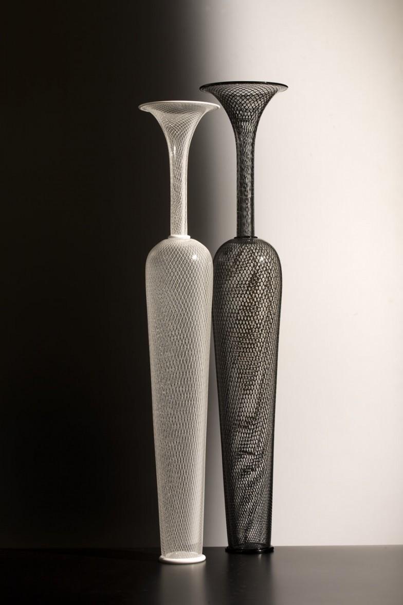 2 wht and blk ret vases-WEB